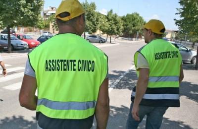 """Da qualche mese a Bovolone è partito il servizio degli assistenti civici, una sorta di """"guardiani"""" del paese che in maniera assolutamente volontaria girano per le vie della città."""